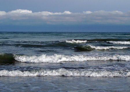 امواج ۳ متری در دریای خزر